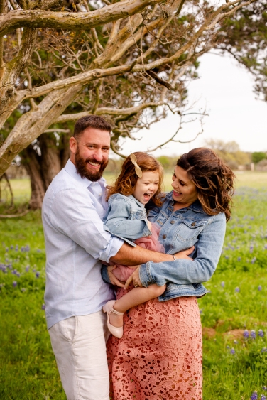 @ Photographer Amy Elizabeth Birdsong Photography Texas Bluebonnet family portrait location photographer-20