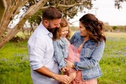 @ Photographer Amy Elizabeth Birdsong Photography Texas Bluebonnet family portrait location photographer-22