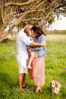 @ Photographer Amy Elizabeth Birdsong Photography Texas Bluebonnet family portrait location photographer-23