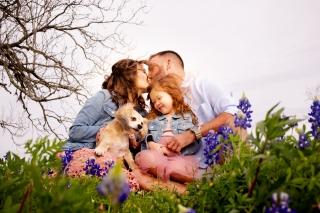 @ Photographer Amy Elizabeth Birdsong Photography Texas Bluebonnet family portrait location photographer-3