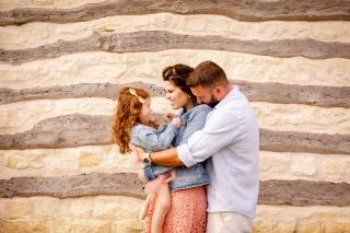 @ Photographer Amy Elizabeth Birdsong Photography Texas Bluebonnet family portrait location photographer-30
