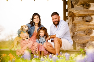 @ Photographer Amy Elizabeth Birdsong Photography Texas Bluebonnet family portrait location photographer-31