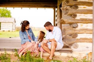 @ Photographer Amy Elizabeth Birdsong Photography Texas Bluebonnet family portrait location photographer-34