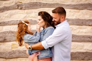 @ Photographer Amy Elizabeth Birdsong Photography Texas Bluebonnet family portrait location photographer-36