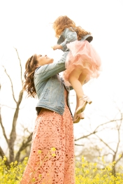 @ Photographer Amy Elizabeth Birdsong Photography Texas Bluebonnet family portrait location photographer-52