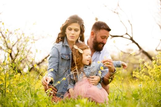 @ Photographer Amy Elizabeth Birdsong Photography Texas Bluebonnet family portrait location photographer-55