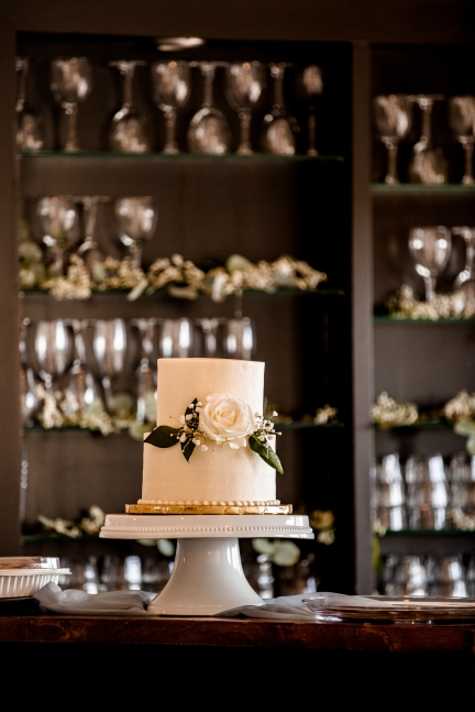 @PhotographerAmy Elizabeth Birdsong Photography Vintage Villas Austin wedding venue-31