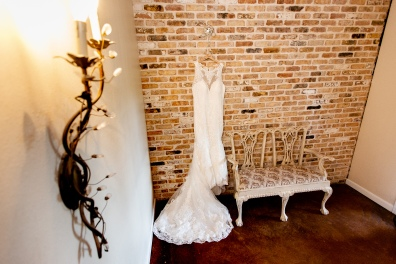 @ Photographer Amy Elizabeth Birdsong Photography The Carriage House Houston Wedding Photos-11