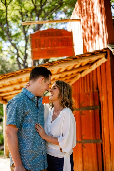 @ Photographer Amy Elizabeth Birdsong Photography Zilker Botanical Gardens Engagement Photos Zilker Park Austin-6