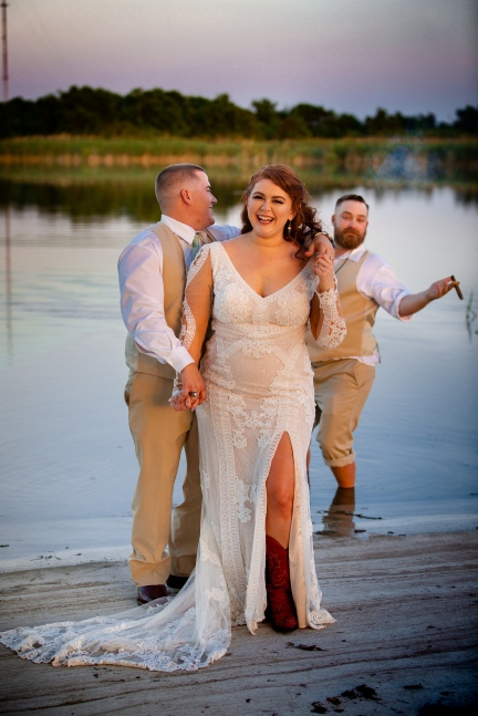 @ Photographer Amy Elizabeth Birdsong Photography The Venue at Lilly Pond Wedding photos-122