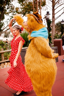 @ Photographer Amy Elizabeth Birdsong Photography Disney World Engagement Photos -41