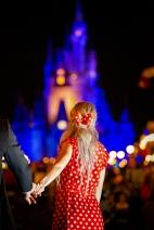 @ Photographer Amy Elizabeth Birdsong Photography Disney World Engagement Photos -78